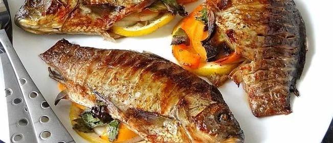 Приготовление рыбы на сковороде-гриль