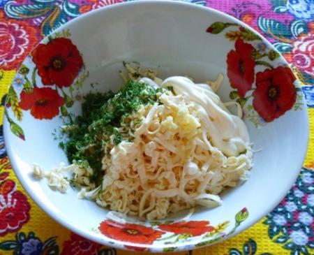 Яичный рулет с плавленным сыром в духовке рецепт