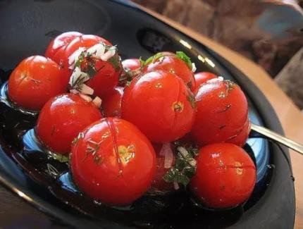 Малосольные помидоры - 14 рецептов быстрого приготовления