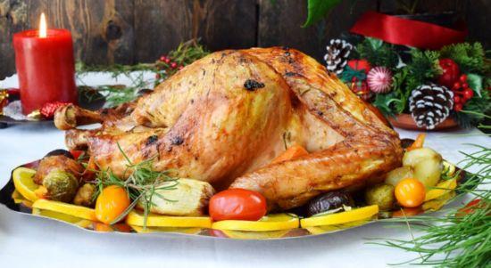 Как индейку запечь целиком в духовке, чтобы птица была мягкой и сочной
